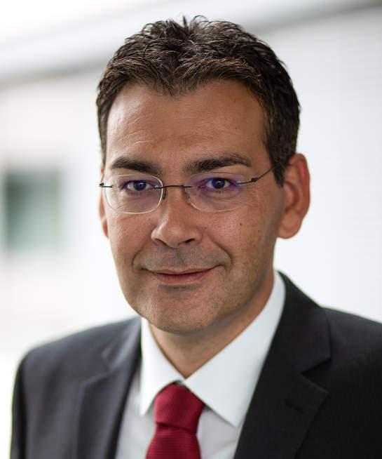 Portrait Professor Simon Laimer