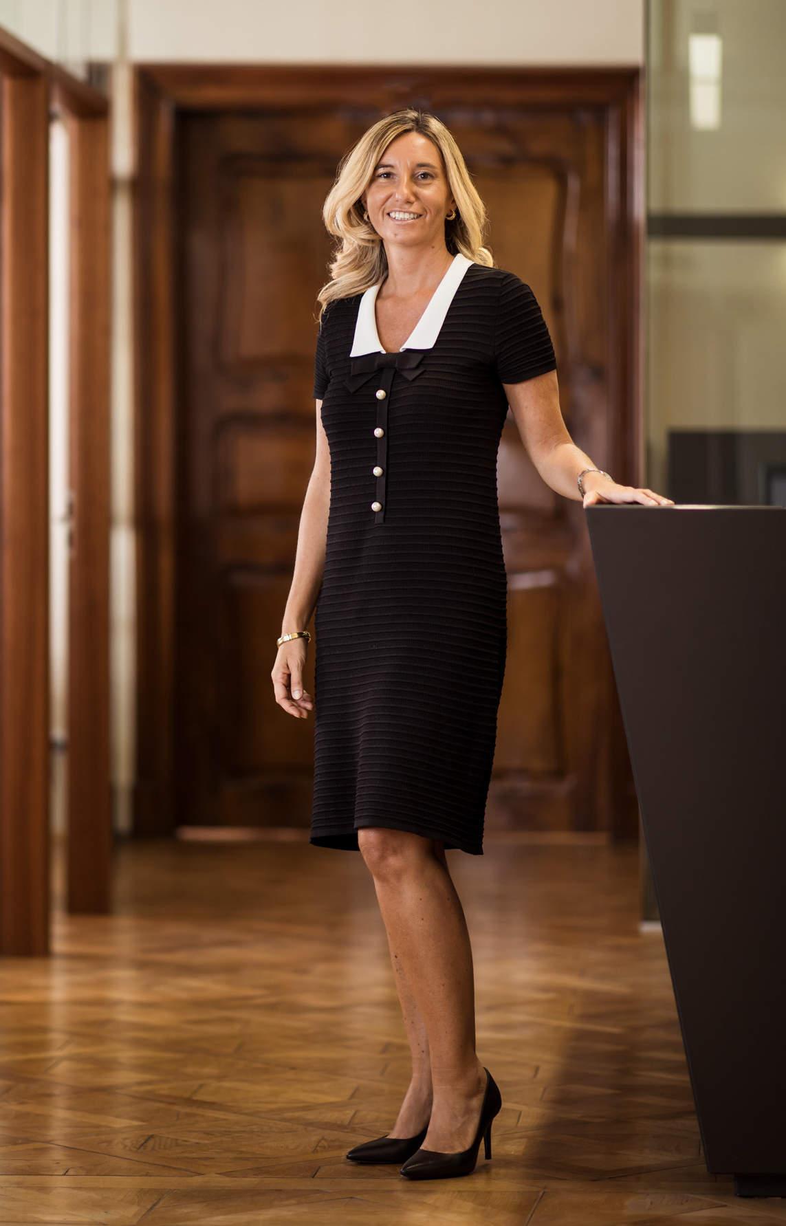 Standportrait von Rechtsanwältin Carola Pagliarin in der Kanzlei