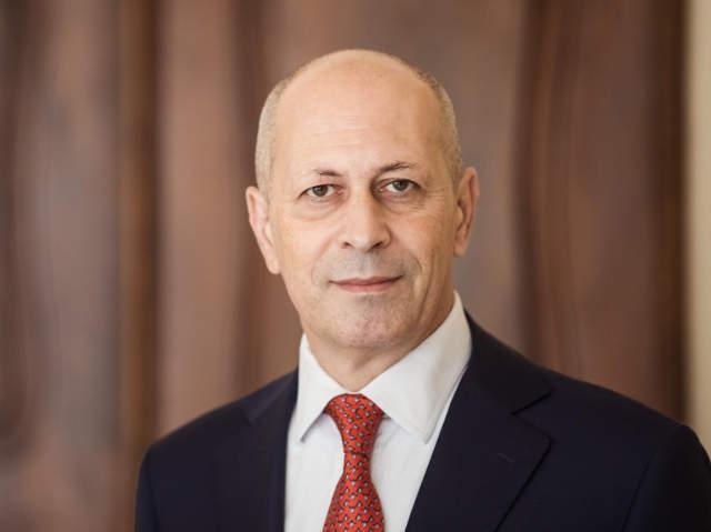 Portrait Univ.-Prof. Francesco Volpe, Partner der Kanzlei, Rechtsanwalt